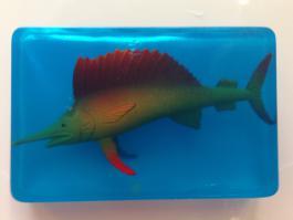 Прозрачное мыло с фигуркой рыбы меч внутри
